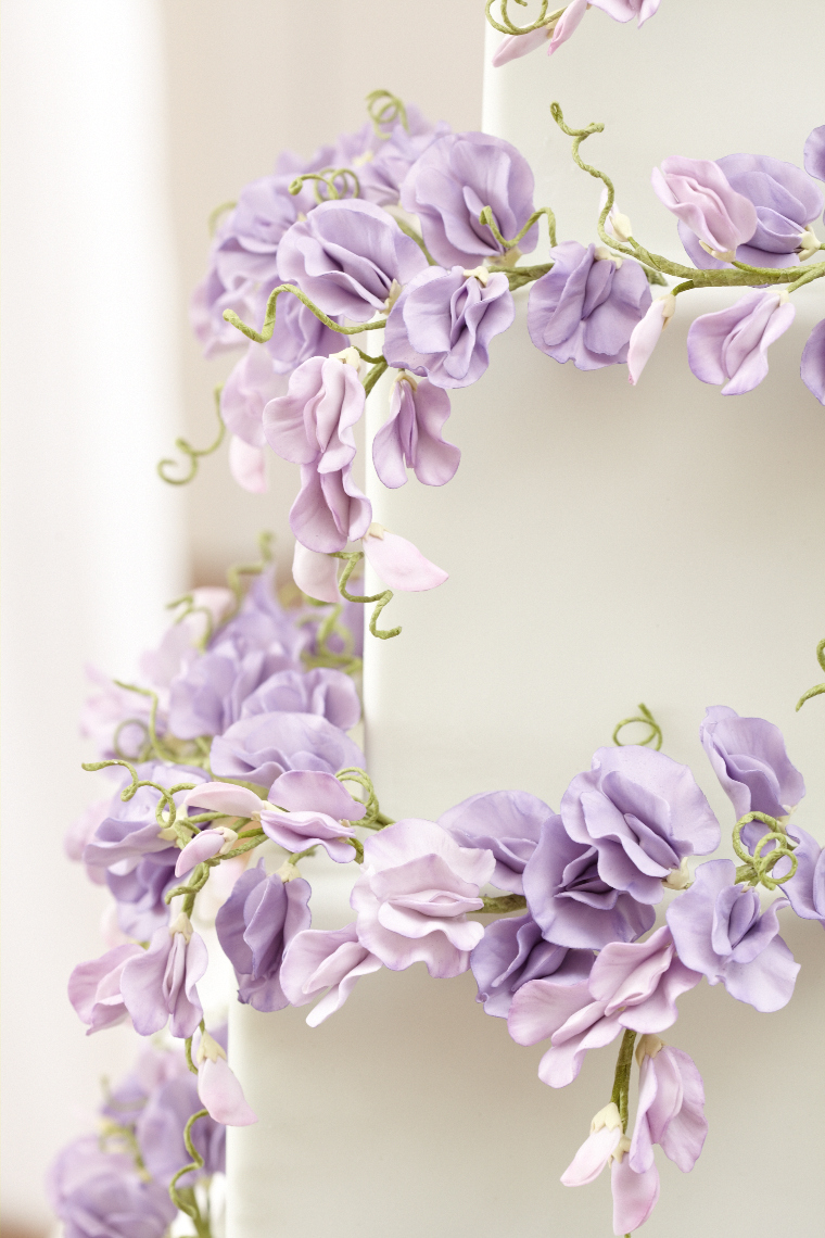 2013_01_30 Peggy Porschen_Floral wedding cake collection_Purple sweet peas13011.jpg