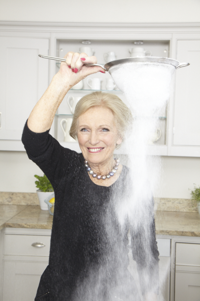 2013_12_18 Mary Berry_DK Perfect Cover_Kitchen_0929