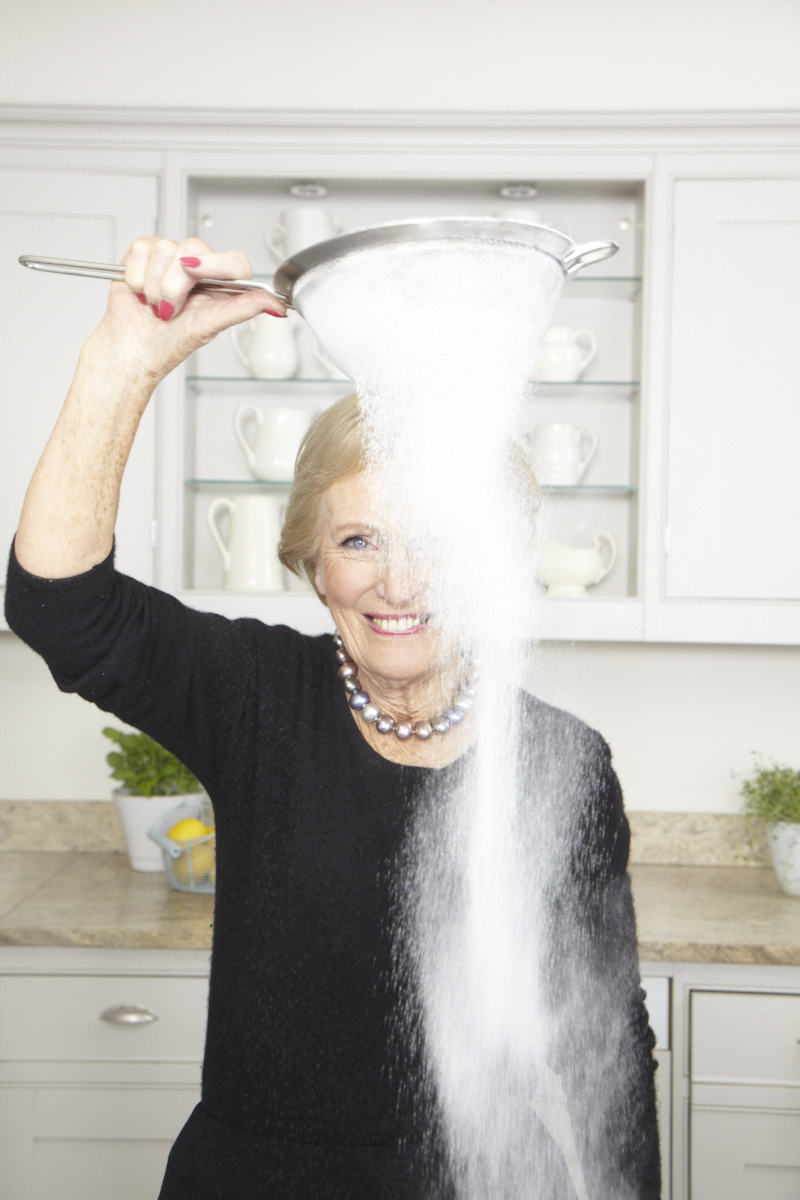 2013_12_18 Mary Berry_DK Perfect Cover_Kitchen_0931