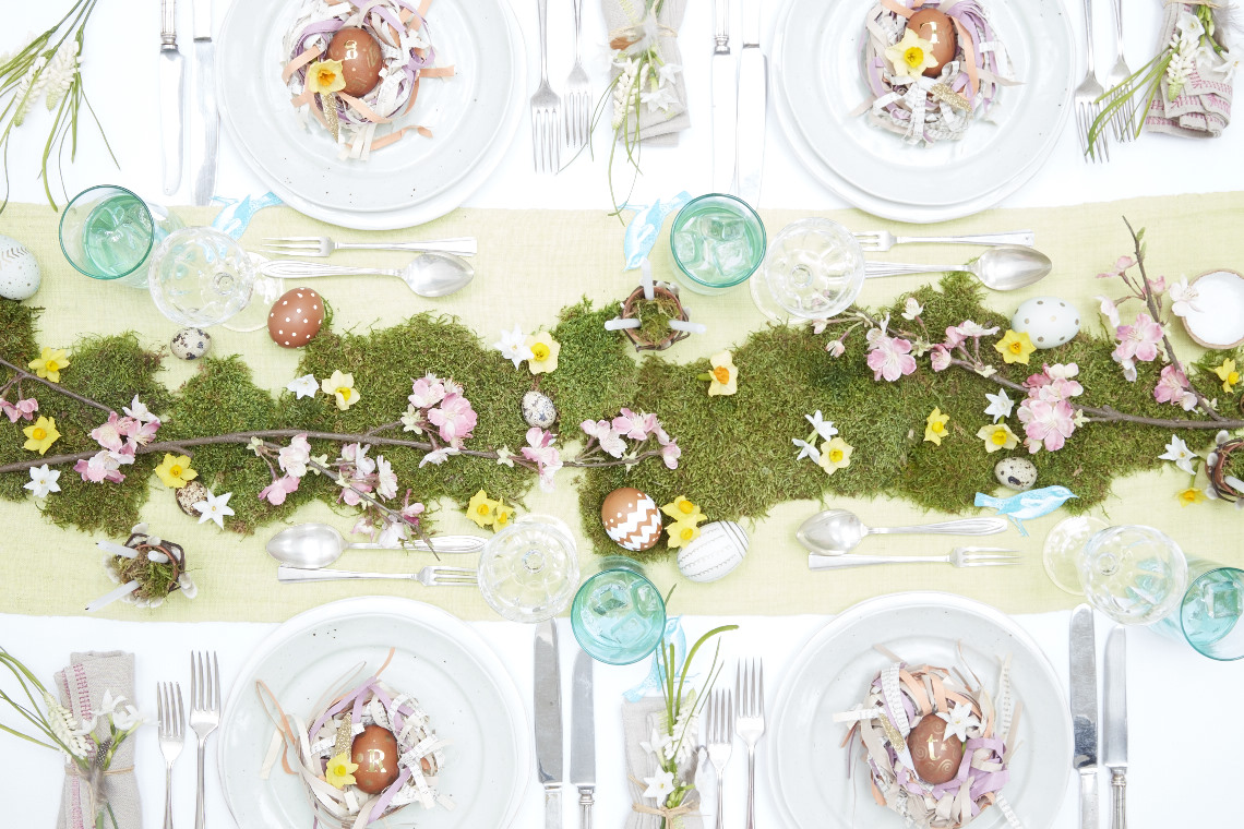 2015_12_01_LE_Spring_Easter_Feast_easter_table1250