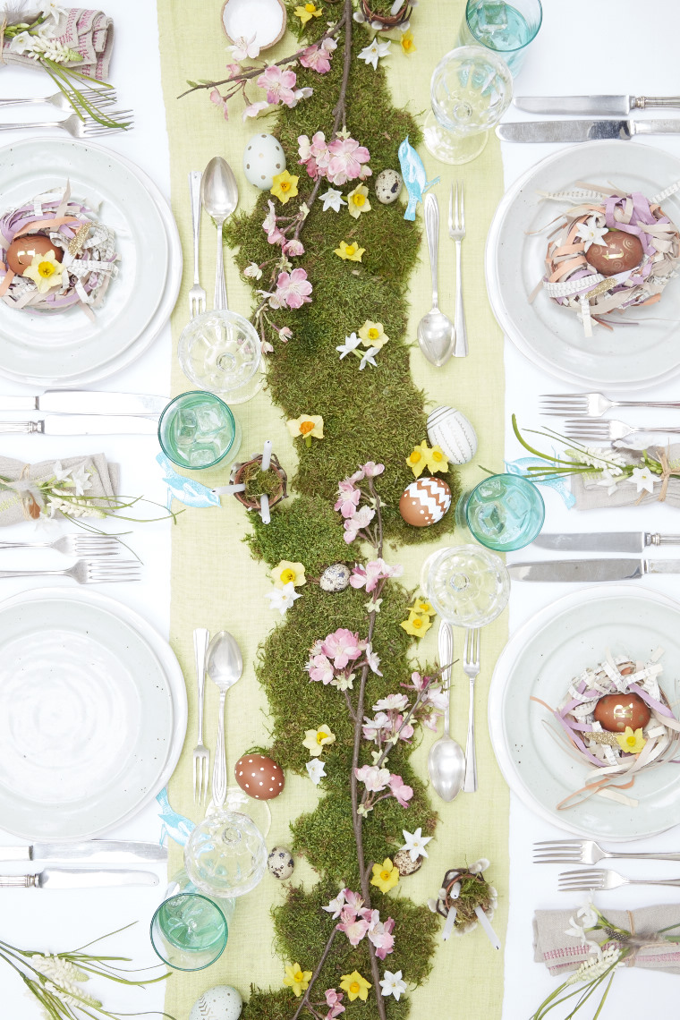 2015_12_01_LE_Spring_Easter_Feast_easter_table1252