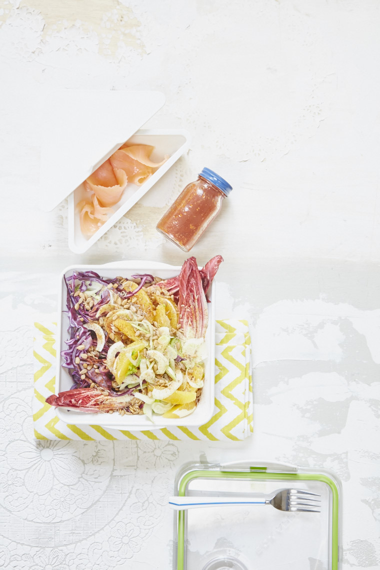 2016_11_16_Liz_Earle_Wellbeing_Spring17_Packed_Lunch_salmon_salad_ 16879