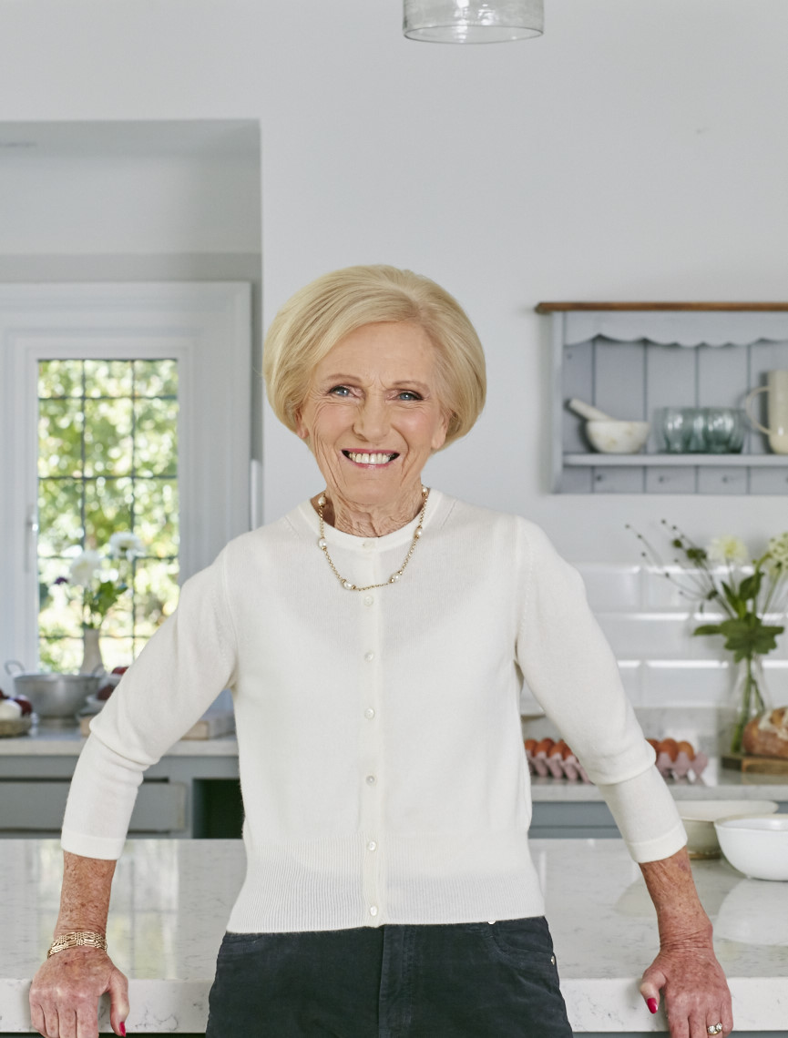 2017_10_02_Mary_Berry_Classics_Cover_179 1