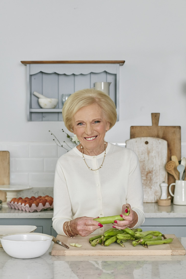 2017_10_02_Mary_Berry_Classics_Cover_187 1