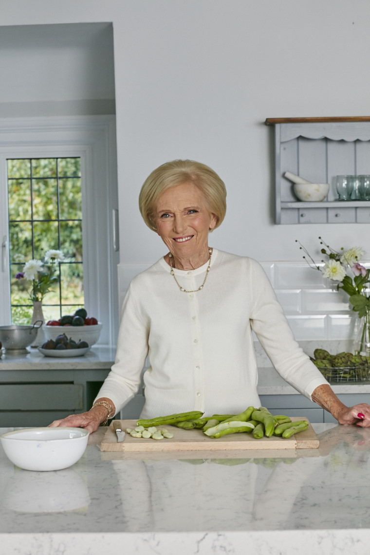 2017_10_02_Mary_Berry_Classics_Cover_211