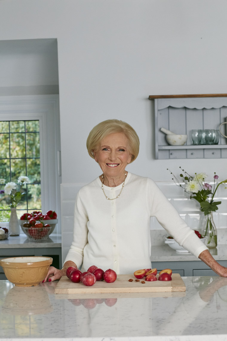 2017_10_02_Mary_Berry_Classics_Cover_227 1