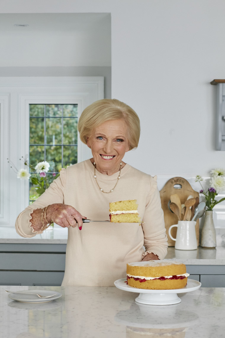 2017_10_02_Mary_Berry_Classics_Cover_Cakes_727