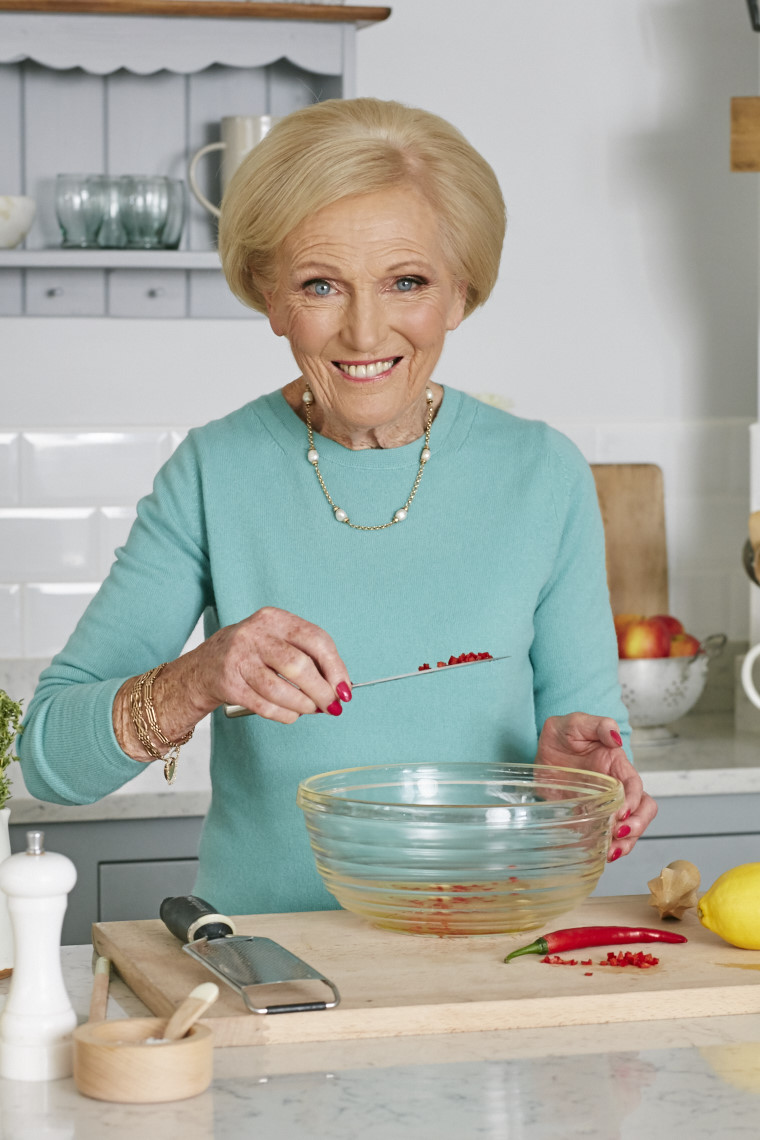 2017_10_02_Mary_Berry_Classics_Cover_Chicken_428