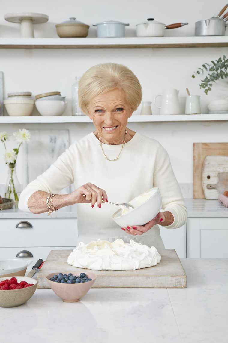 2017_10_03_Mary_Berry_Classics_Cover_055