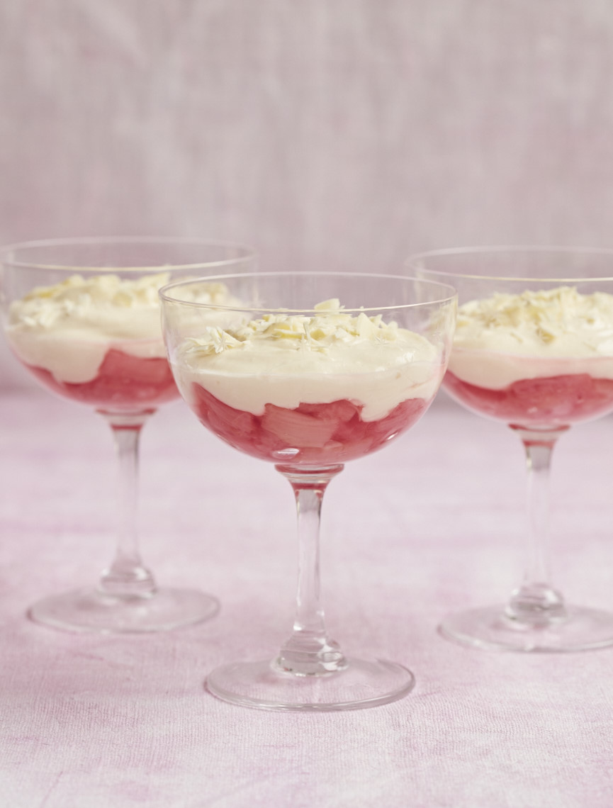 2017_10_23_Mary_Berry_Classics_Rhubarb_Mousse_30718