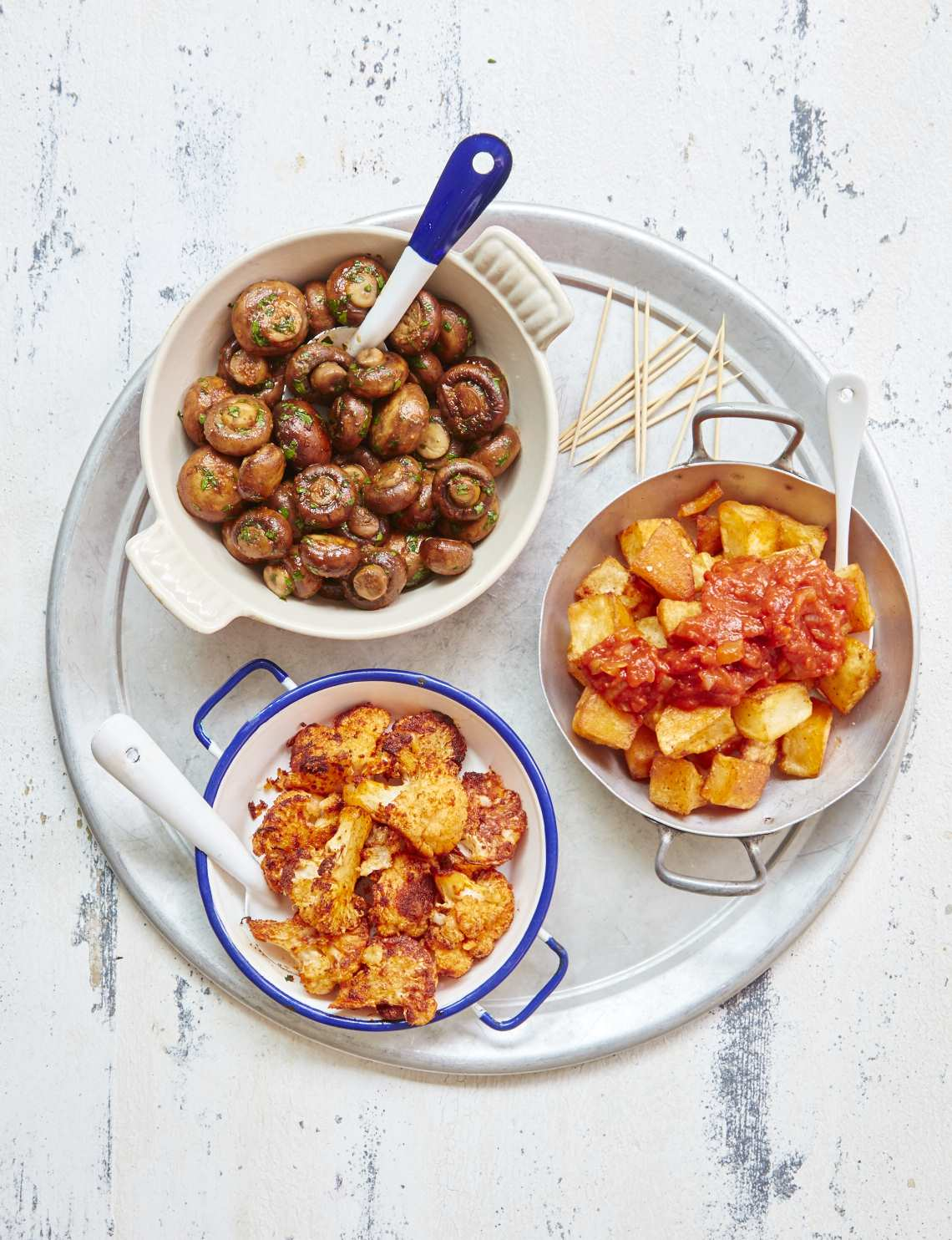 2018_09_05_MB_Quick_tapas_cauliflowerCheese_garlic_mushroom_potatas_bravas_42896