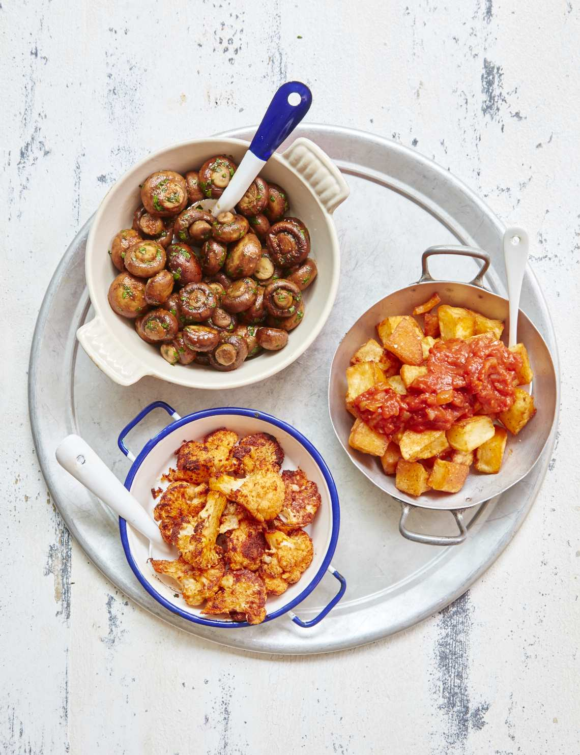 2018_09_05_MB_Quick_tapas_cauliflowerCheese_garlic_mushroom_potatas_bravas_42897