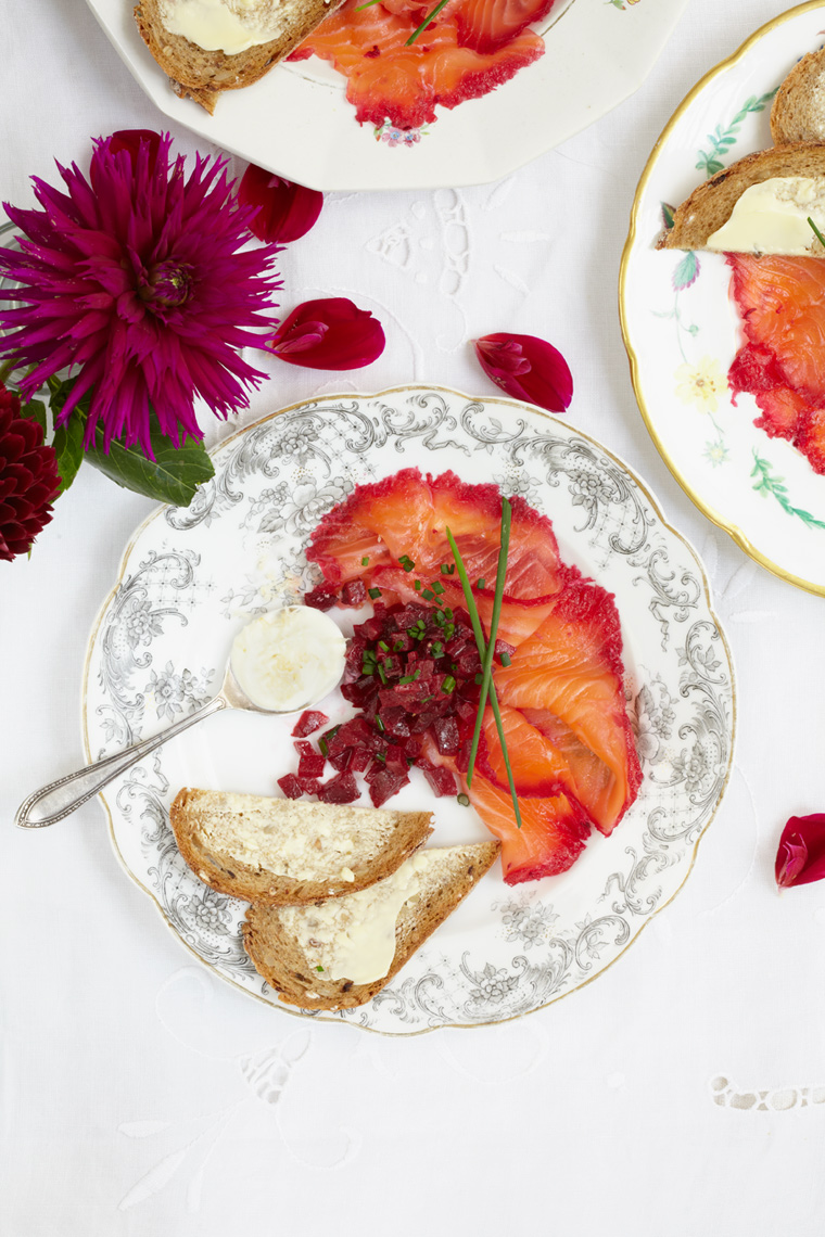 sharing-platters-and-starters_beetroot-gravadlax_0412